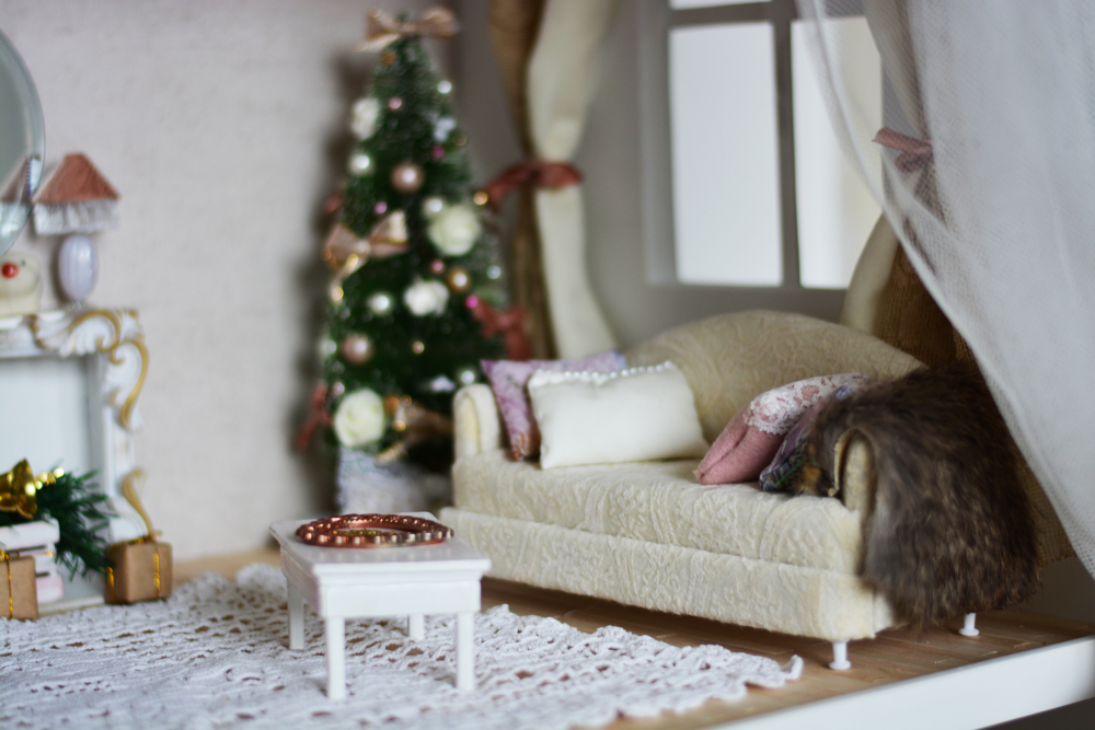 dollhouse room kits - photo of dollhouse furniture with christmas tree